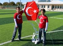 UÇURTMA ŞENLİĞİ - Havran'da Cumhuriyet Bayramı'nda Uçurtma Uçurdular