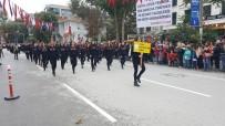 İZMIR MARŞı - Kadıköy'de Cumhuriyet Bayramı Geçidi Yapıldı