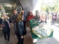 EMRAH YıLMAZ - Kadıköy'de Direksiyon Başında Vurulan Kadın Son Yolculuğuna Uğurlandı