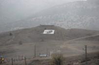 EL EMEĞİ GÖZ NURU - Köy Sakinleri Yamaçta Dev Atatürk Portresi Yaptı