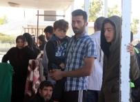 ÖNCÜPINAR - Suriyeliler Bir Daha Dönmemek Üzere Ülkelerine Gidiyor