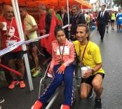 Tekerlekli Sandalyeli Kızı İle Cumhuriyet Koşusu'nda Yarıştı
