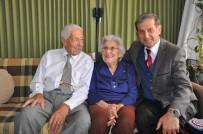 EMEKLİ ÖĞRETMEN - Başkan Özkan, Yaşlıları Evlerinde Ziyaret Etti