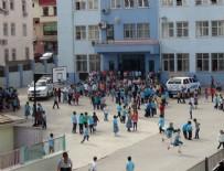 İLKOKUL ÖĞRENCİSİ - İlkokul öğrencisinin çantasında tabanca bulundu