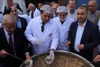 MALTEPE BELEDİYESİ - Maltepe Belediyesi, Binlerce Kişiye Aşure İkram Etti