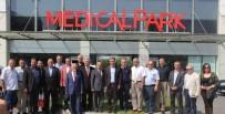 ÖZEL HASTANELER - Medical Park İle İzmir Medya Platformu Arasında İndirim Protokolü