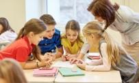 İSTANBUL AYDIN ÜNİVERSİTESİ - Yrd. Doç.Dr. Alabay Açıklaması 'Çocuğunuz Soru Sormuyorsa Şüphelenin'