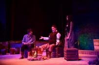 ŞEHIR TIYATROLARı - Alanya Belediye Tiyatrosu Ankara Ve Adana'da Festivallere Katıldı