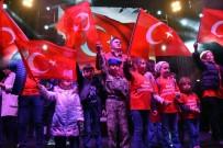 İZMIR MARŞı - Aliağa'da Cumhuriyet Kutlamalarına On Binler Katıldı