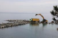 AHMET YıLMAZ - Dalgakıranlar Bolaman Sahilini Koruyacak