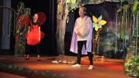 AHMET PIRIŞTINA - Tiyatro Fil İzmir'de Perdelerini Açtı