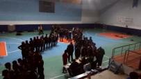 DENIZ PIŞKIN - Tosya'da Yakalan Göçmenler Spor Salonunda Tutuluyor