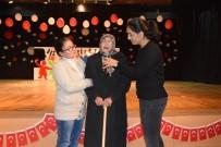 OYUNCAK KÜTÜPHANESİ - 94 Yaşındaki Firuzhan Yeğen'in Atatürk Sevgisi Ayakta Alkışlandı
