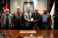 AHMET ATAÇ - Başkan Ataç'a Cami Yönetiminden Teşekkür Plaketi