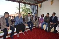 SAĞLIK TARAMASI - Başkan Yücel, Hastaları Evlerinde Ziyaret Etti
