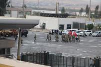 HABUR SıNıR KAPıSı - Devir Teslimin Ardından Askerler Tatbikat Alanına Döndü