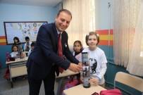 HALİL İBRAHİM ŞENOL - Gaziemir'de 45 Okula 2 Bin 500 Satranç Takımı Dağıtıldı