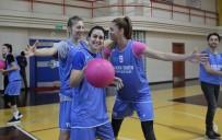 GÖKÇE ÖZYOL - Kadın Basketbol Takımı Meme Kanserine Dikkat Çekti