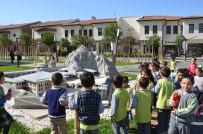 SOMUNCU BABA - Öğrenciler Miniamalatya'yı Gezerek Tarihi Ve Turistik Değerleri Öğreniyorlar
