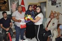 ŞEHİT UZMAN ÇAVUŞ - Öğrencilerden Şehit Ailesine Ziyaret