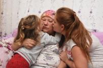 KANSERLE MÜCADELE - Kansere Yakalanan Annenin Feryadı Açıklaması 'Yaşamak İstiyorum'