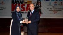 GÜLŞEN ORHAN - Prof. Dr. Çamsarı'ya 'Yılın Rektörü' Ödülü