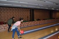 BOWLING - Üniversiteli Gençler Bowling Turnuvasında Hünerlerini Sergiledi