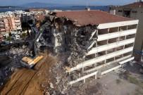 CAN GÜVENLİĞİ - Aliağa Belediyesi'nin Eski Hizmet Binası Yıkıldı