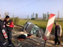 Balıkesir'de Trafik Kazası Açıklaması 1 Ölü, 1 Yaralı
