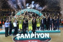 CUMHURBAŞKANLıĞı KUPASı - Fenerbahçe Kupasını Aldı