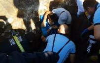TOPRAK KAYMASI - İçme Suyu İsale Hattında Toprak Kayması Açıklaması 2 İşçi Yaralı