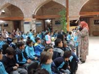 OYUNCAK KÜTÜPHANESİ - Melike Günyüz Çocuk Okurlarıyla Bir Araya Geldi