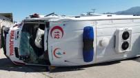 SAĞLIK GÖREVLİSİ - Minik Hamza Devrilen Ambulanstan Burnu Kanamadan Kurtuldu