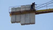 MEHMET ÇIFTÇI - Parasını Alamadığını İddia Eden İşçi 40 Metrelik Vince Çıktı