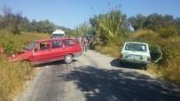 İSHAKÇELEBI - Saruhanlı'da Trafik Kazası Açıklaması 3 Kişi Yaralandı