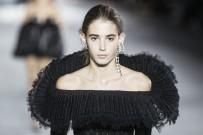 MODA HAFTASI - Ünlü Moda Firmaları Paris'e Damgasını Vurdu