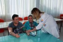 DÜNYA YAŞLILAR GÜNÜ - Yaşlılara Sazlı, Sözlü Sağlık Hizmeti
