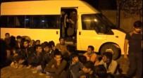 TRAFİK KANUNU - 15 Kişilik Minibüsten 54 Kaçak Göçmen Çıktı
