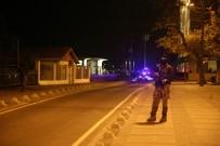 BAŞBAKANLIK OFİSİ - Başbakanlık Ofisi Yakınlarında Silah Sesleri Hareketliliğe Yol Açtı