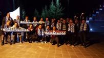 MUZAFFER YALÇIN - Başkan Yalçın, Futbolcular Ve Takım Yöneticileri İle Bir Araya Geldi