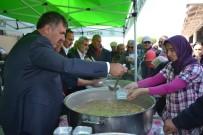 Kepsut'da 10 Bin Kişiye Aşure Dağıtıldı