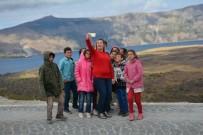 KRATER GÖLÜ - Köy Okulu Öğrencileri İlk Defa Nemrut Krater Gölü'nü Gezdi