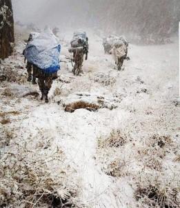 Mehmetçik zorlu doğa şartlarında teröristlere göz açtırmıyor