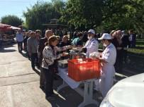 KAZıM KURT - Odunpazarı Belediyesi 3 Bin Vatandaşa Aşure Dağıttı