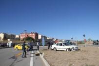 KOÇAK - Sivas'ta Trafik Kazası Açıklaması 8 Yaralı