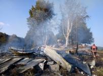 AHŞAP EV - Yaylada Çıkan Yangında Ahşap Ev Kül Oldu