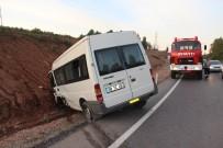 KANDILLI - Zonguldak'ta Minibüs İle Otomobil Çarpıştı Açıklaması 1 Yaralı