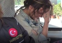 RUHSATSIZ SİLAH - Ağlayarak Adliyeye Getirilen Kız Tutuklandı
