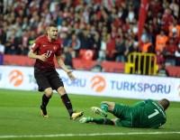 VOLKAN BABACAN - Dünya Kupası Eleme Grubu Maçı Açıklaması Türkiye Açıklaması 0 - İzlanda Açıklaması 2 (İlk Yarı)