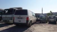 SKANDAL - 21 Öğrenci Taşıyan Okul Servisi Trafikten Men Edildi